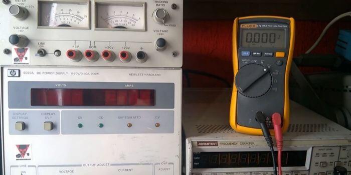 Fluke 113 or 114 or 115 or 116 or 117 Digital Multimeter